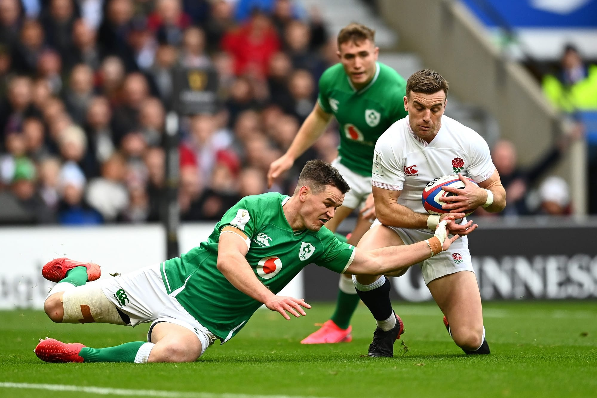 LONDON, ENGLAND - FEBRUARY 23: George Ford of England scores his team's first try during the 2020 Guinness Six Nations match between England and Ireland at Twickenham Stadium on February 23, 2020 in London, England. (Photo by Clive Mason/Getty Images)